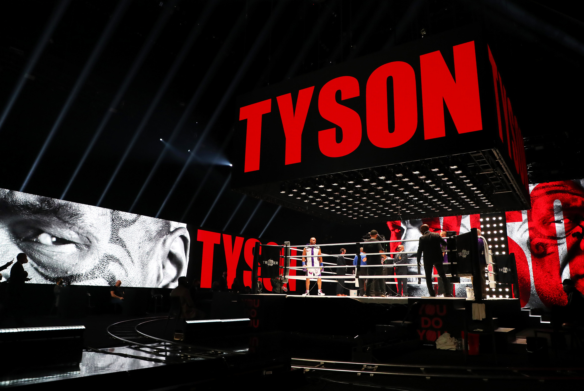 mike-tyson-roy-jones-jr-5